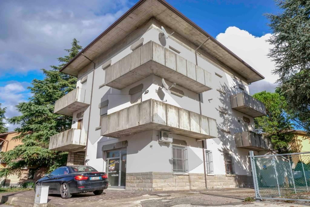 Appartamento in buone condizioni in vendita Rif. 8802787
