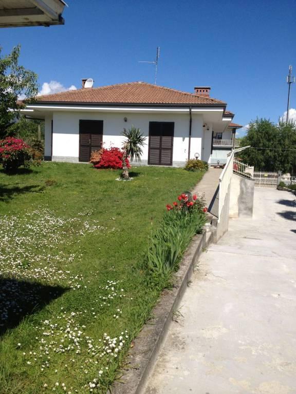 Appartamento in ottime condizioni arredato in affitto Rif. 8441145