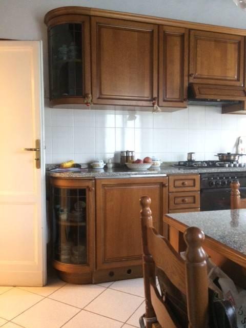 Appartamento in buone condizioni parzialmente arredato in vendita Rif. 8444814