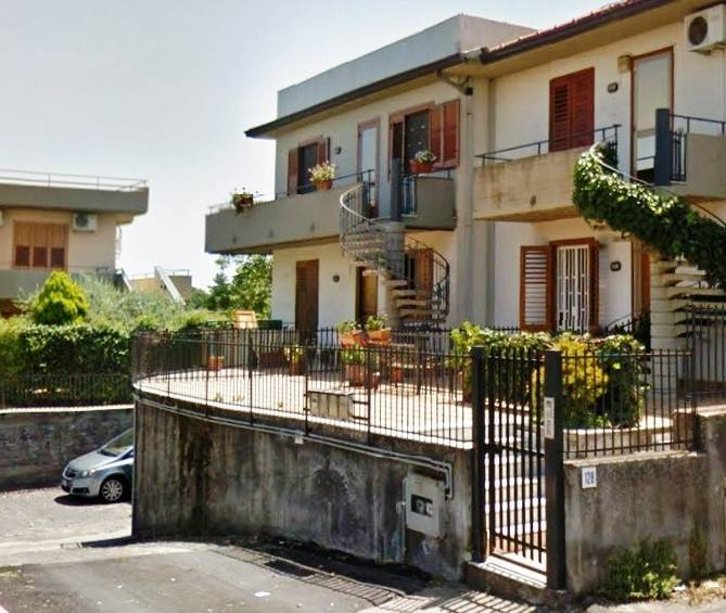 Appartamento in buone condizioni in vendita Rif. 8441986