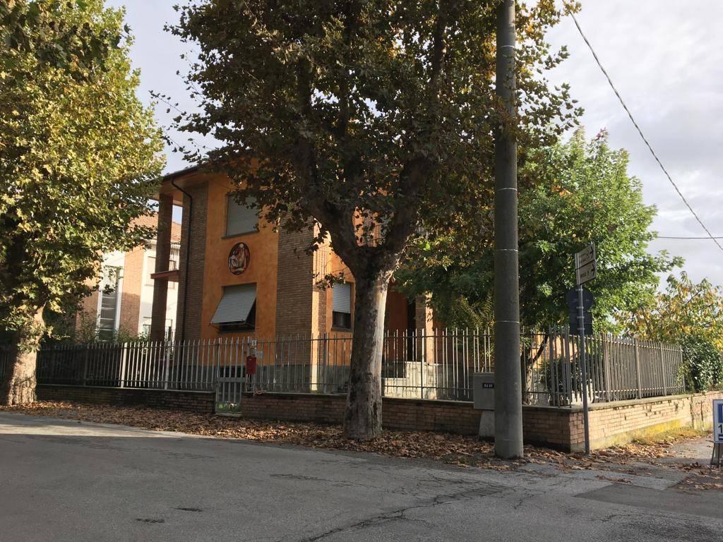 Villa in buone condizioni in vendita Rif. 8441551