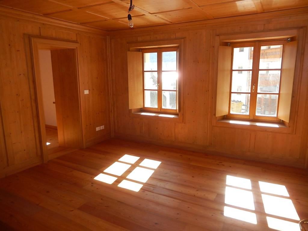 Appartamento in ottime condizioni parzialmente arredato in vendita Rif. 8443079