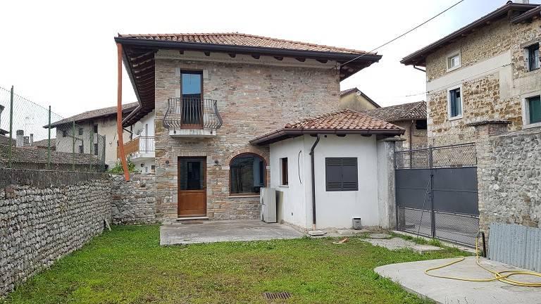 Rustico / Casale in vendita a Trivignano Udinese, 5 locali, prezzo € 287.000 | CambioCasa.it