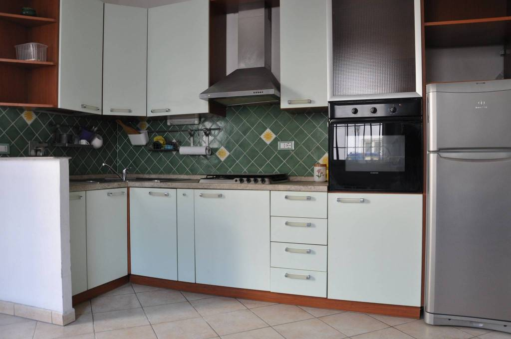 Appartamento in ottime condizioni arredato in affitto Rif. 8442750