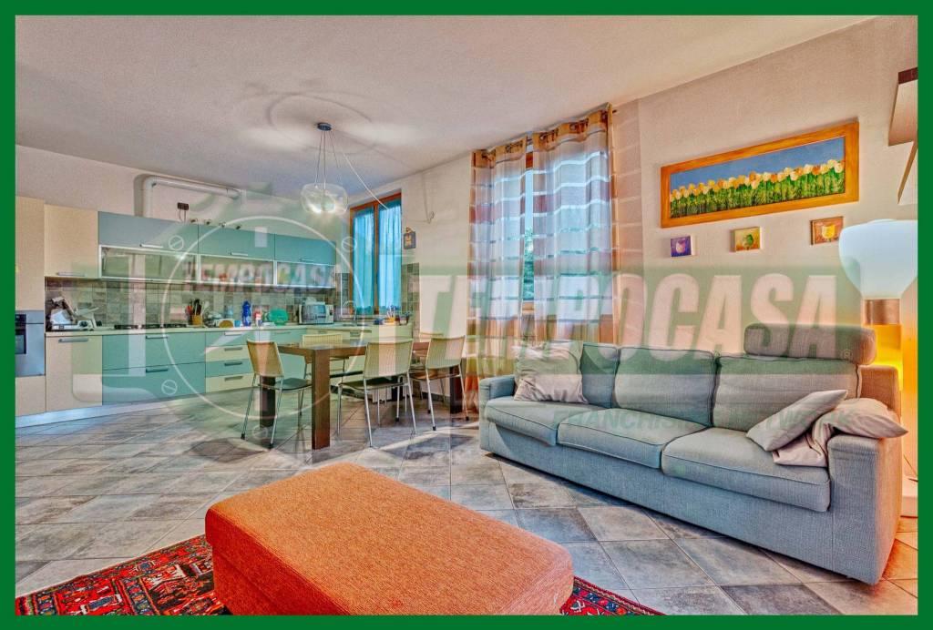 Appartamento in ottime condizioni parzialmente arredato in vendita Rif. 8453906