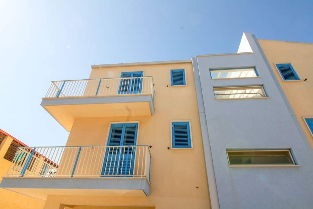 Appartamento in ottime condizioni arredato in vendita Rif. 8452931