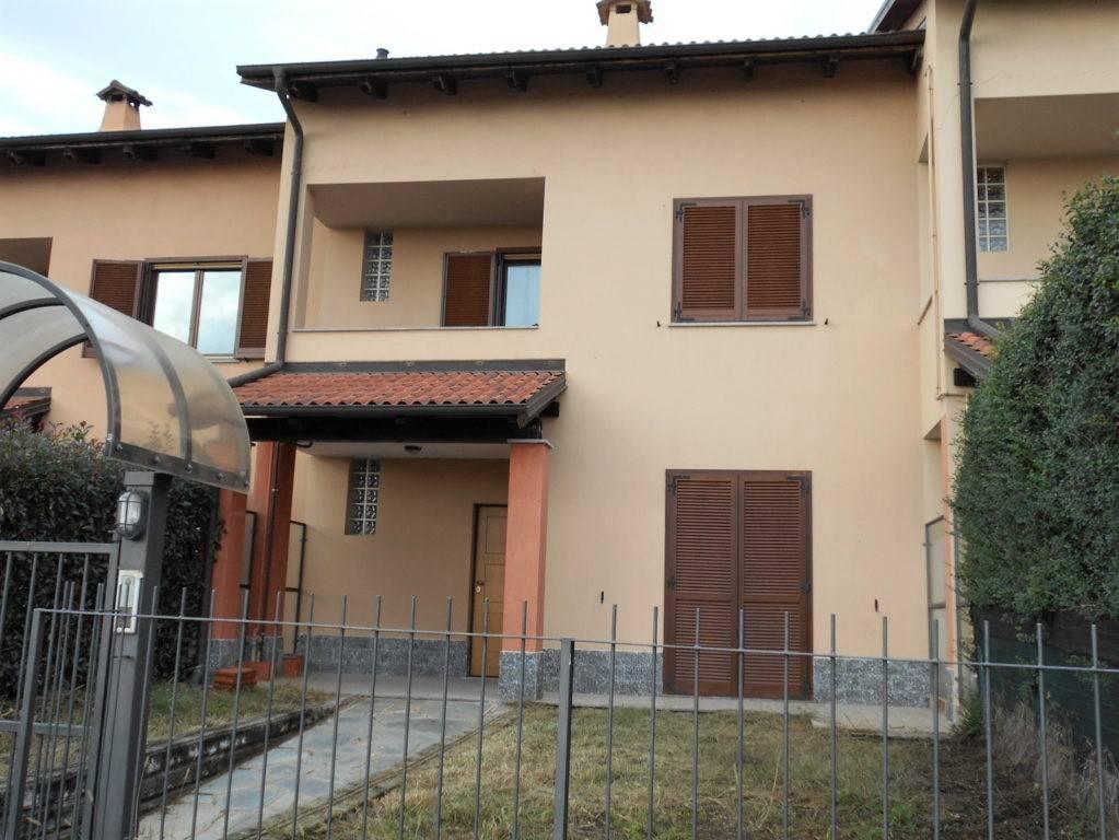 Foto 1 di Villetta a schiera via Perucca 41, Livorno Ferraris