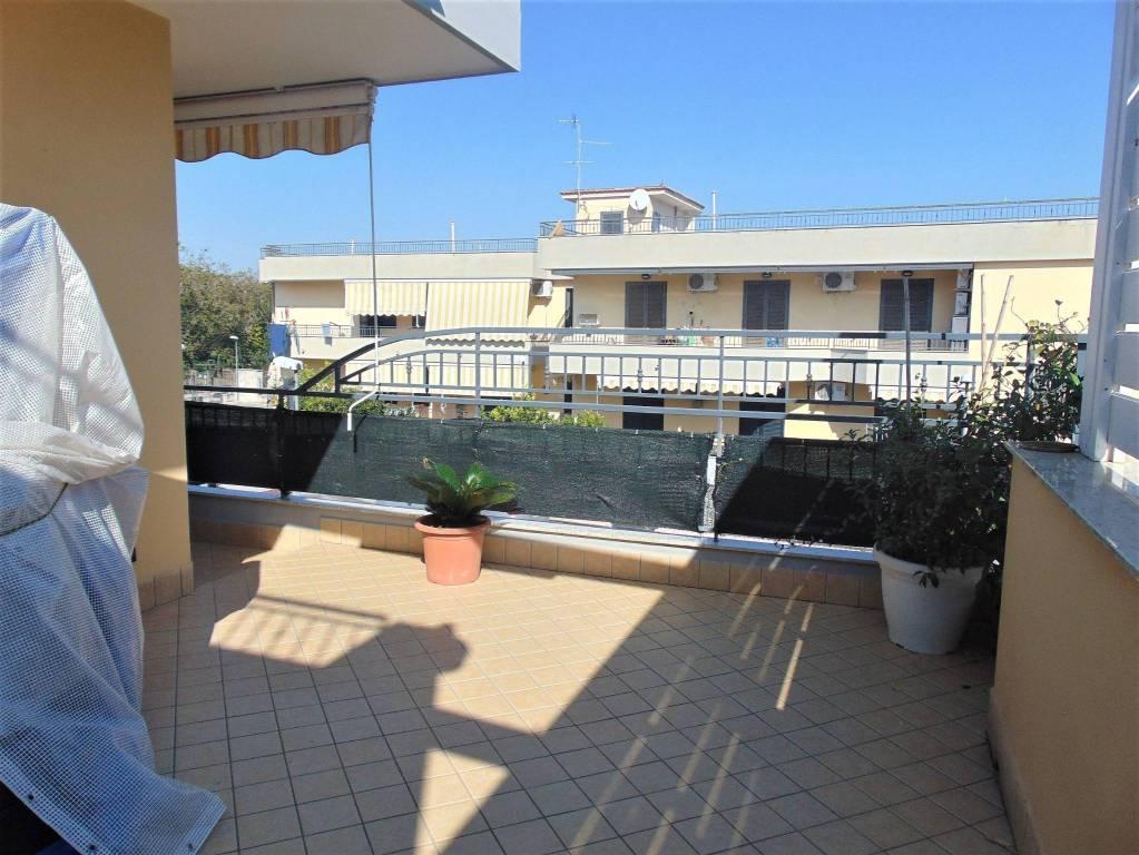 Appartamento in ottime condizioni in vendita Rif. 9424004