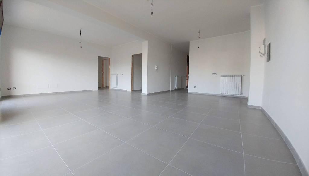 Appartamento in ottime condizioni in vendita Rif. 8452237