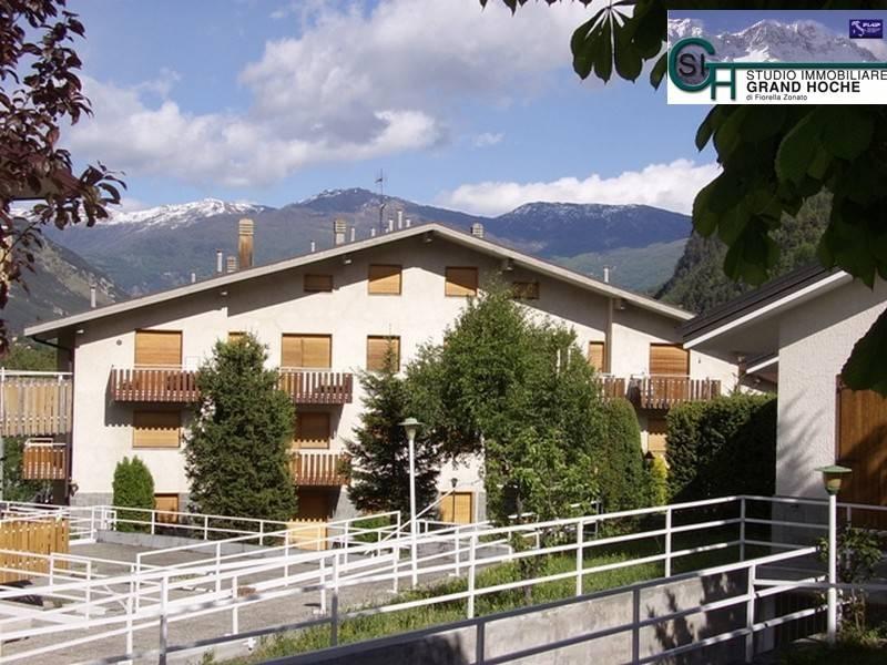 Appartamento in buone condizioni arredato in affitto Rif. 8452302