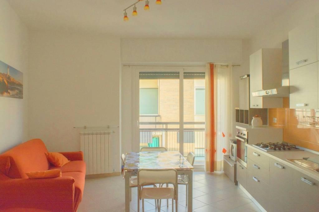 Appartamento in ottime condizioni parzialmente arredato in affitto Rif. 8458307