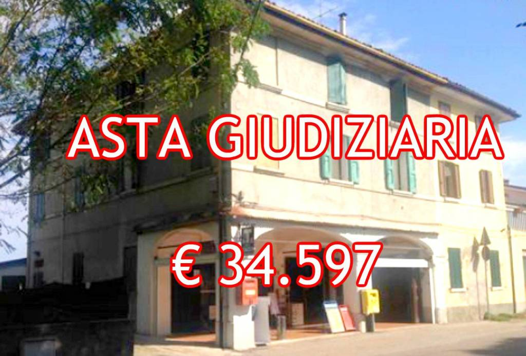 Appartamento in buone condizioni in vendita Rif. 8458431