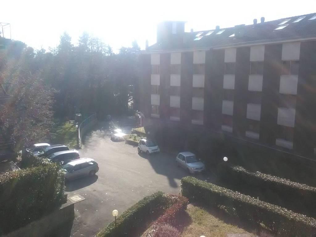 Appartamento in buone condizioni arredato in affitto Rif. 8453938