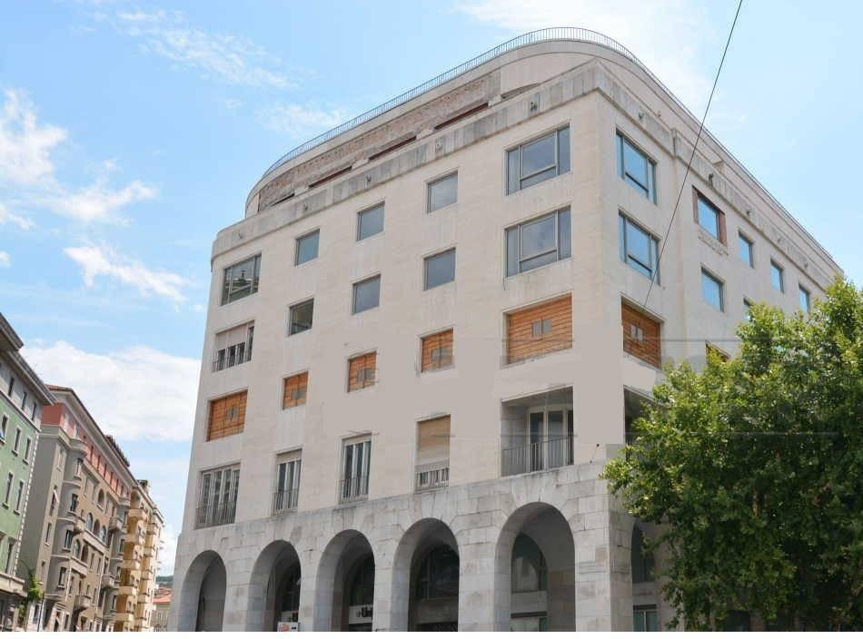 Centralissima Piazza Oberdan 570 + 570mq Rif. 9142062