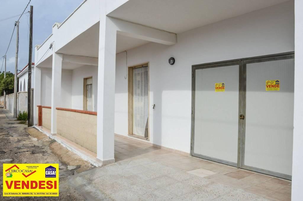 Appartamento in ottime condizioni arredato in vendita Rif. 8464755