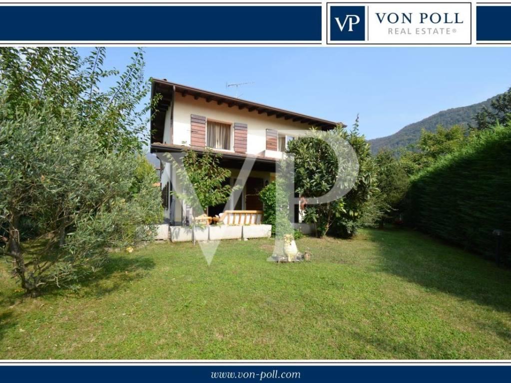 Villa in vendita a Gardone Riviera, 7 locali, prezzo € 730.000 | CambioCasa.it