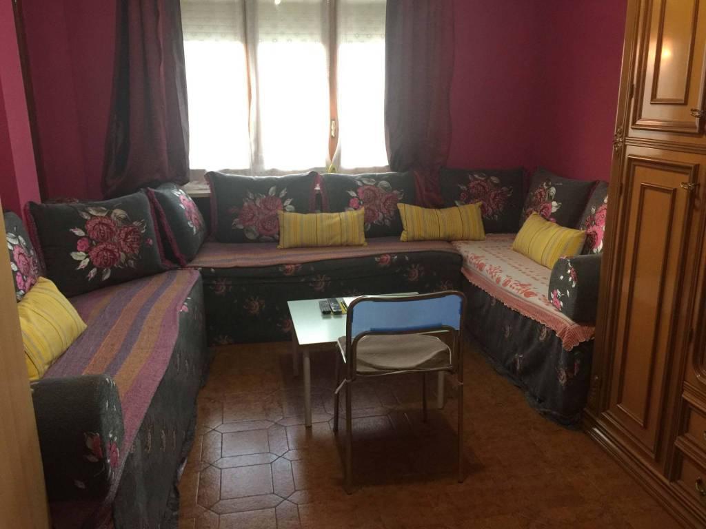 Appartamento in buone condizioni in affitto Rif. 8466396