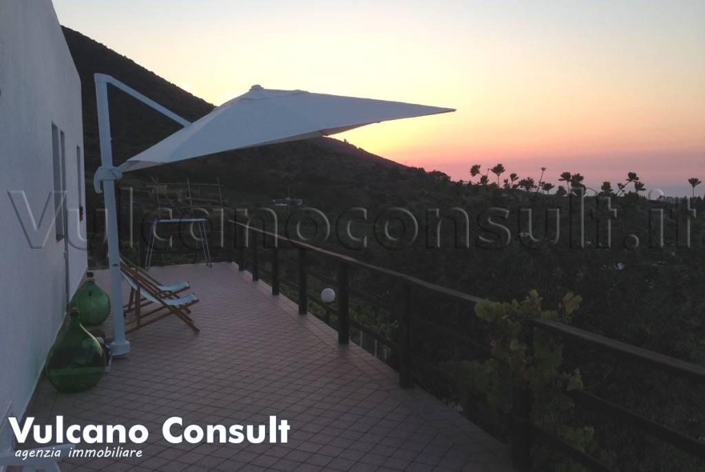 Villa in vendita a Malfa, 3 locali, prezzo € 480.000 | CambioCasa.it