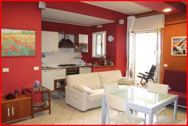 Appartamento in ottime condizioni in vendita Rif. 7029537