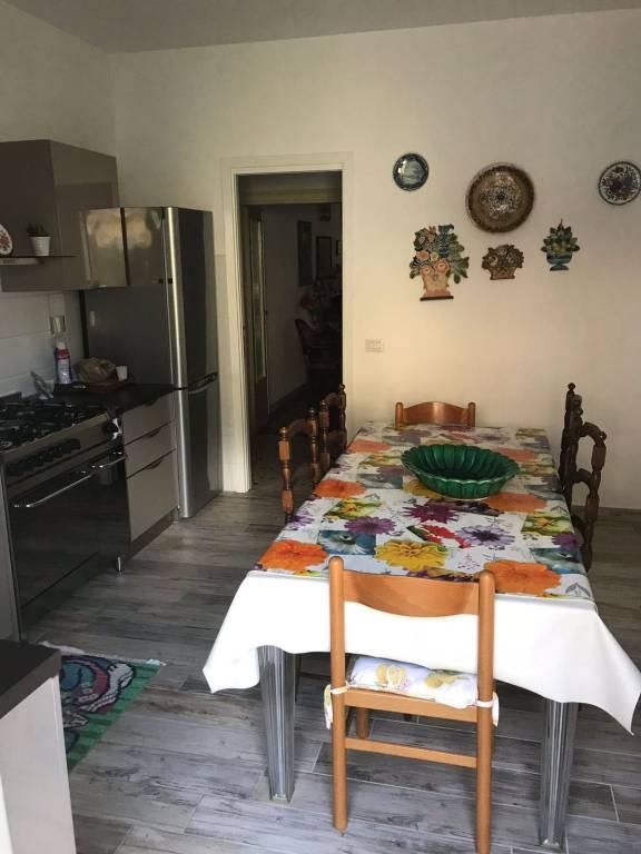 Appartamento in buone condizioni in vendita Rif. 7912328