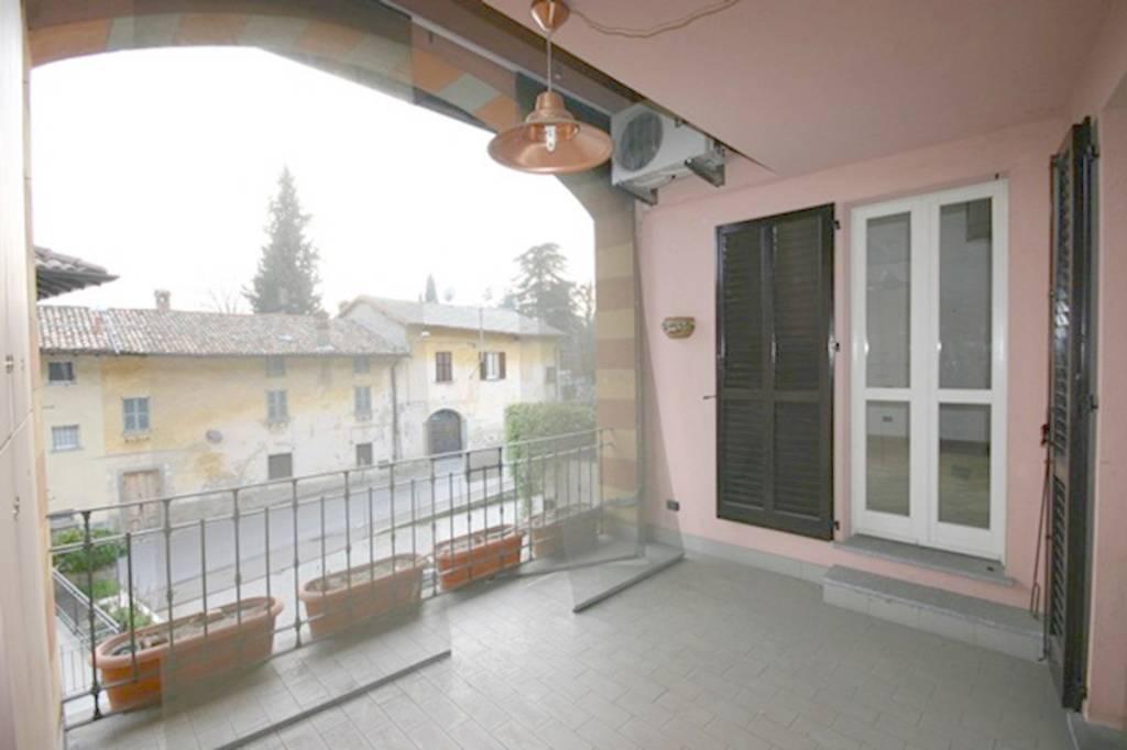 Appartamento in ottime condizioni in vendita Rif. 8463768