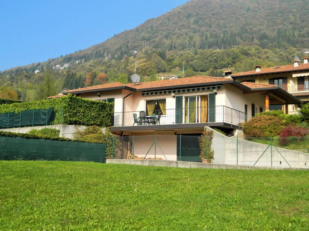 Villa in buone condizioni parzialmente arredato in vendita Rif. 8466984