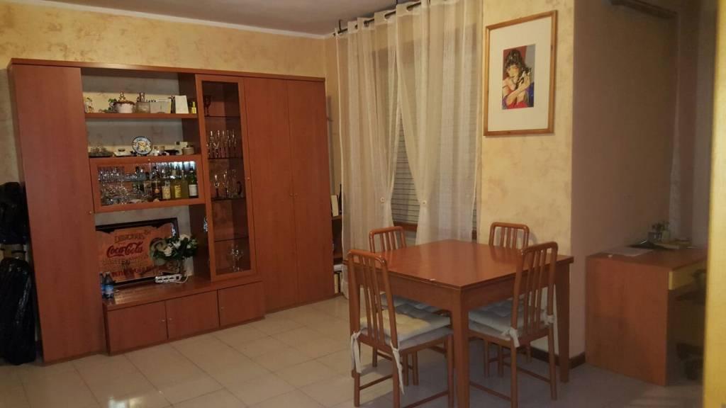 Appartamento parzialmente arredato in affitto Rif. 8465549