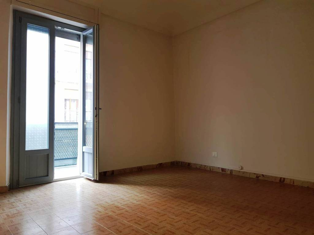 Appartamento in buone condizioni in affitto Rif. 8465561