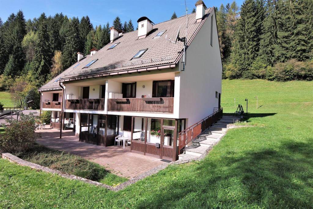 Appartamento in buone condizioni arredato in vendita Rif. 4289901