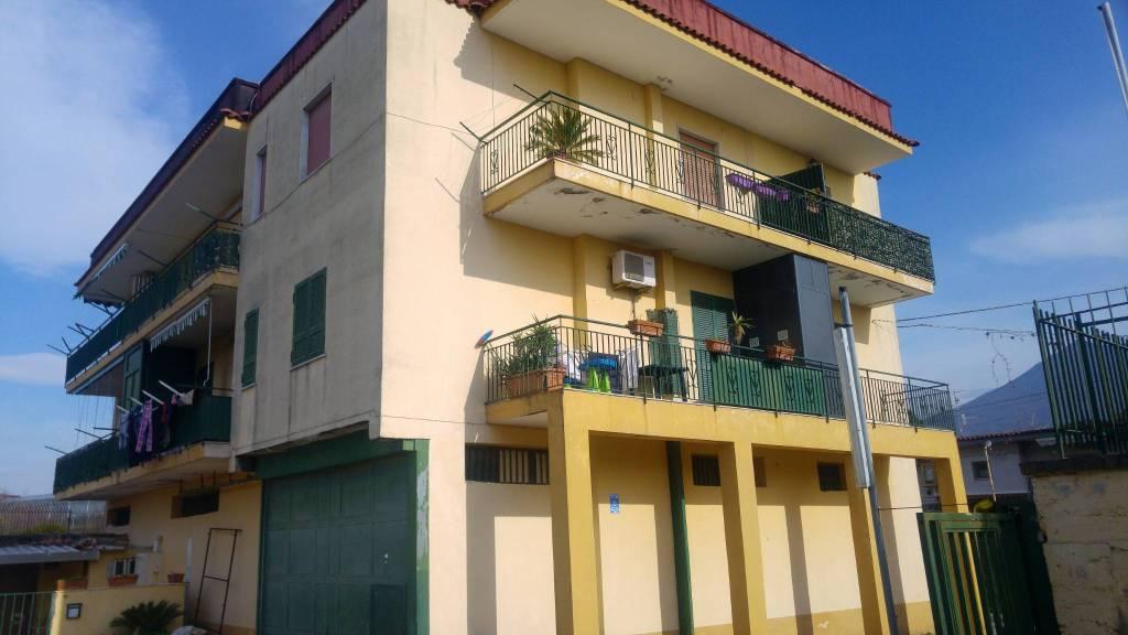 Appartamento in buone condizioni in affitto Rif. 8578577