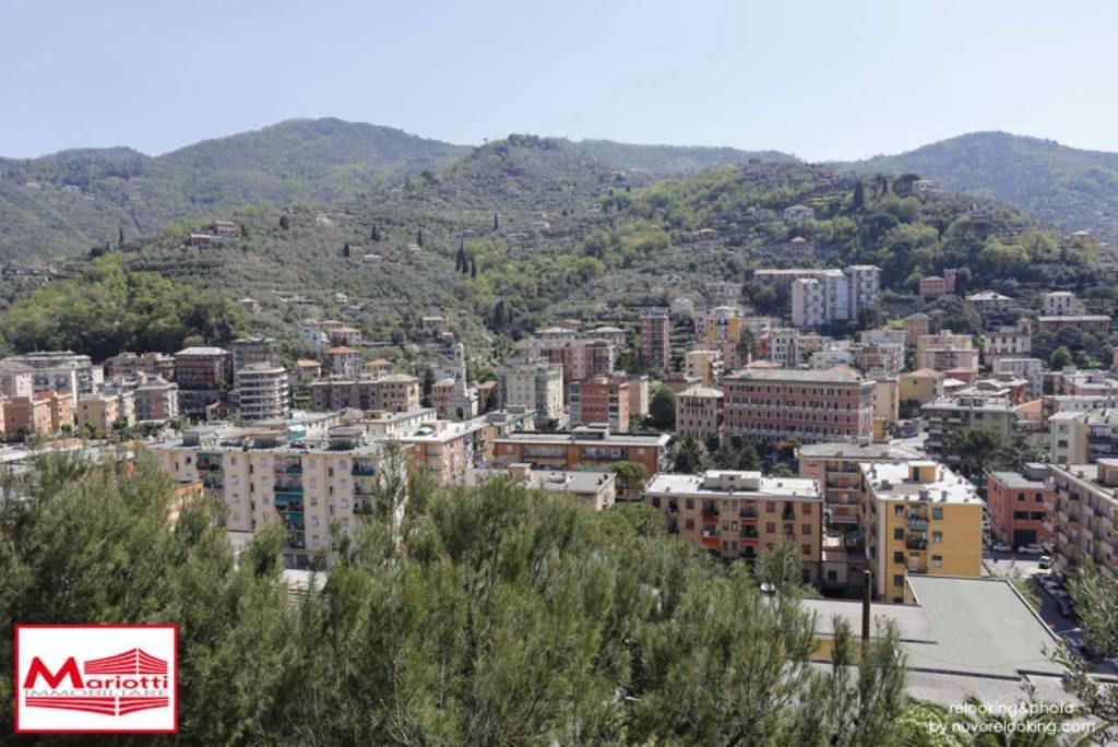 Appartamento in vendita a Recco, 6 locali, prezzo € 305.000 | CambioCasa.it