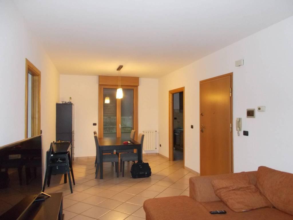 Appartamento in ottime condizioni in vendita Rif. 8452369