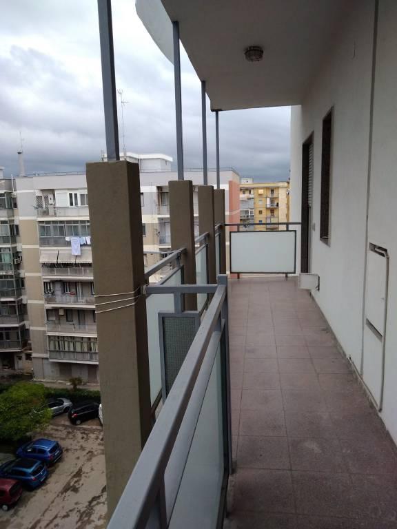 Appartamento in buone condizioni in affitto Rif. 8468017