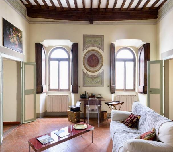 Elegante appartamento in palazzo antico, 1564