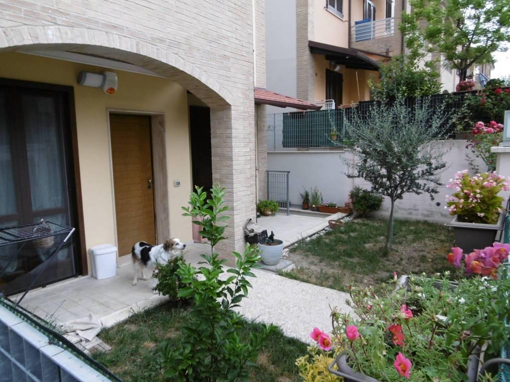 Appartamento in ottime condizioni parzialmente arredato in vendita Rif. 7226463
