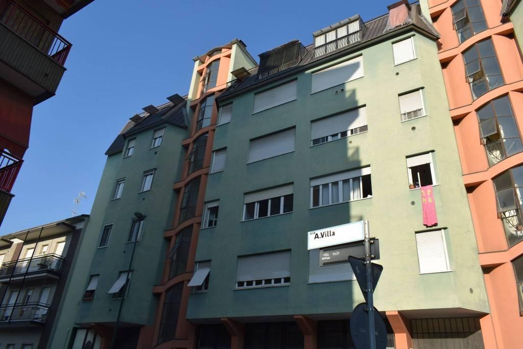 Appartamento in buone condizioni in affitto Rif. 8482496