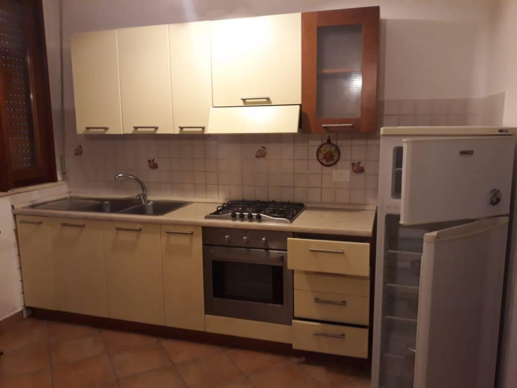 Appartamento in buone condizioni parzialmente arredato in affitto Rif. 8482773