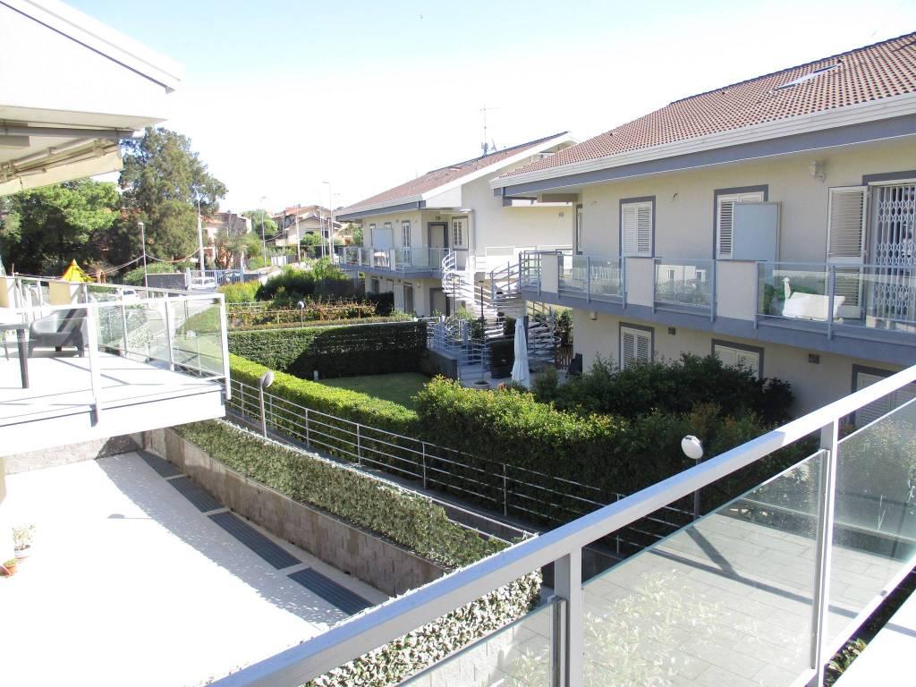 Appartamento in ottime condizioni in vendita Rif. 8478789