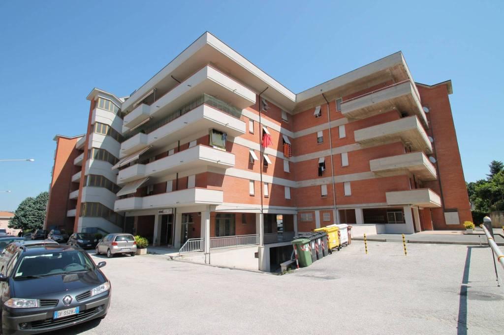 fabriano, via Bellocchi . Appartamento 120 mq