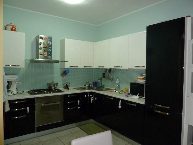 Appartamento in ottime condizioni in vendita Rif. 8482038