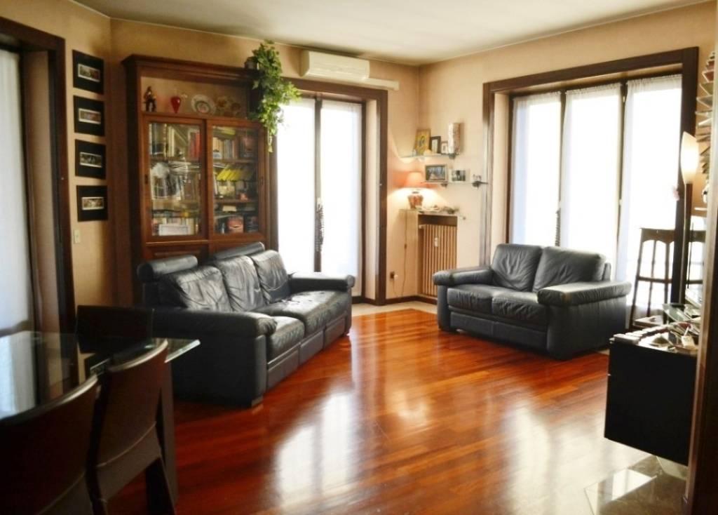 Appartamento in Vendita a Milano 20 Bicocca / Crescenzago / Cimiano: 4 locali, 140 mq
