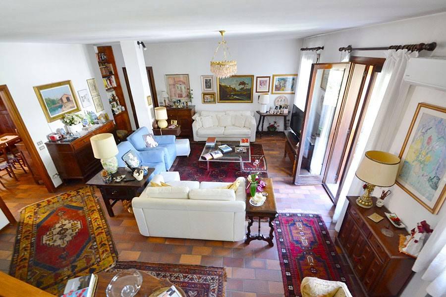 Appartamento in buone condizioni parzialmente arredato in vendita Rif. 8627884