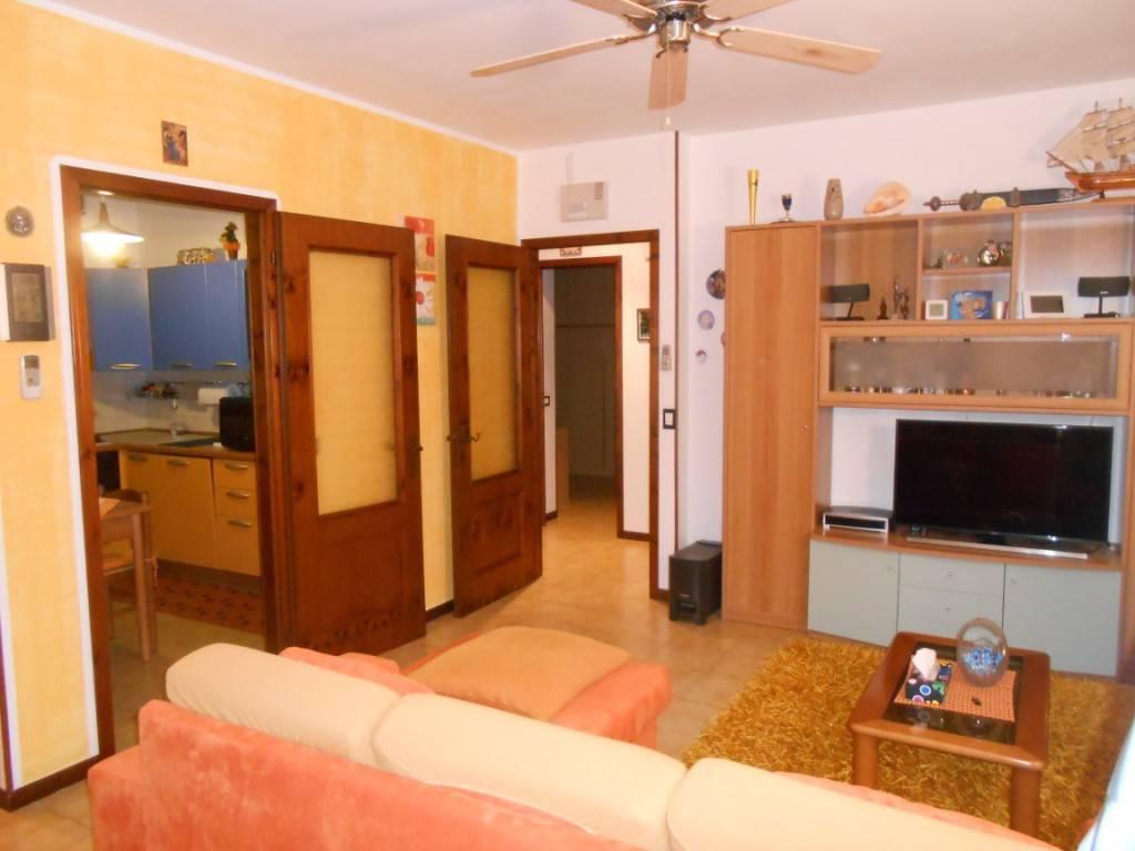 Appartamento in ottime condizioni parzialmente arredato in vendita Rif. 8477364
