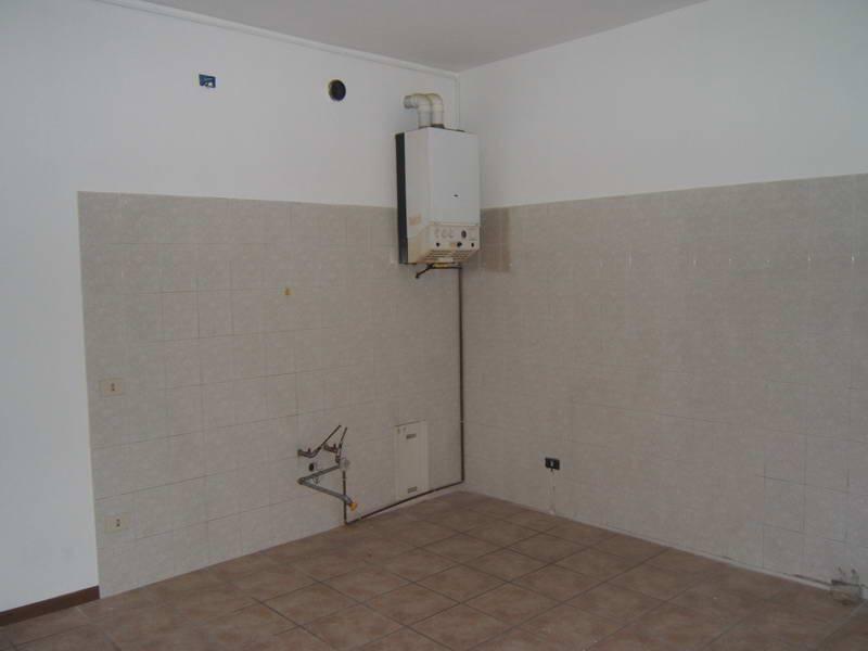 Appartamento in buone condizioni in affitto Rif. 8477128