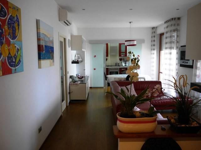 Appartamento in ottime condizioni in vendita Rif. 8477044