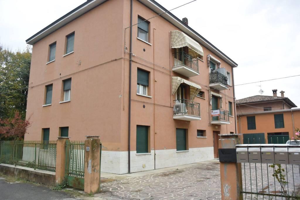 Appartamento in buone condizioni in vendita Rif. 8478873