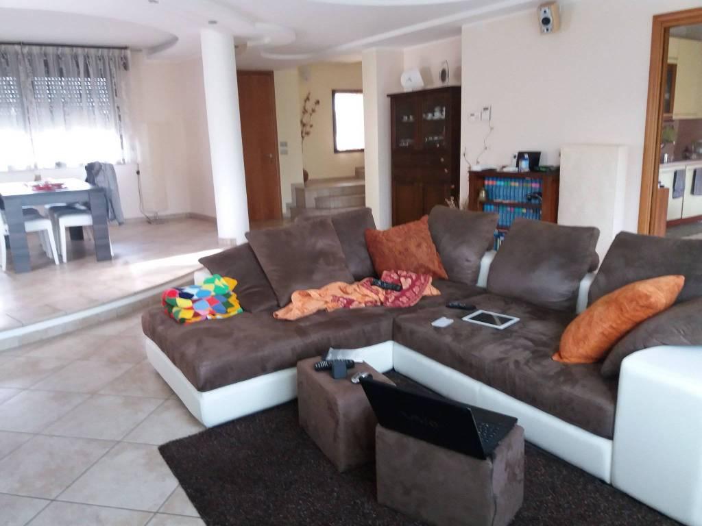 Villa quadrilocale in vendita a Riccione (RN)