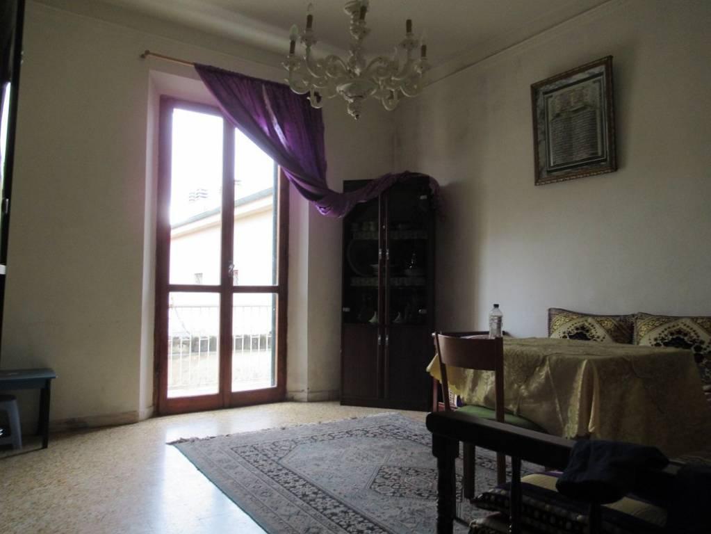 Appartamento in buone condizioni in vendita Rif. 8477326