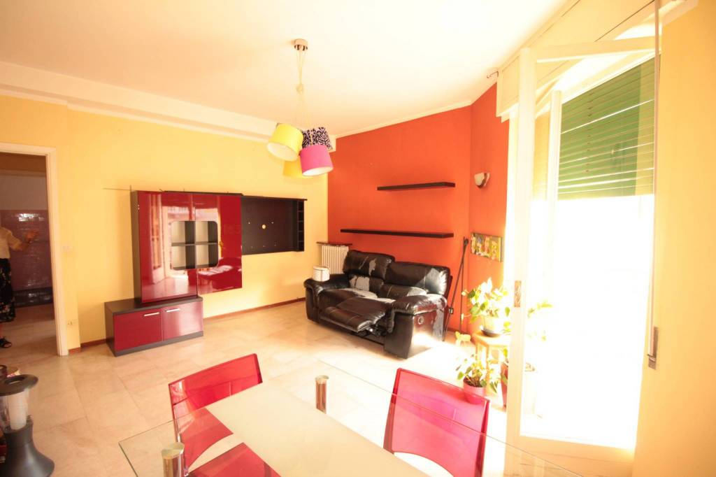 Appartamento in buone condizioni arredato in affitto Rif. 8479012