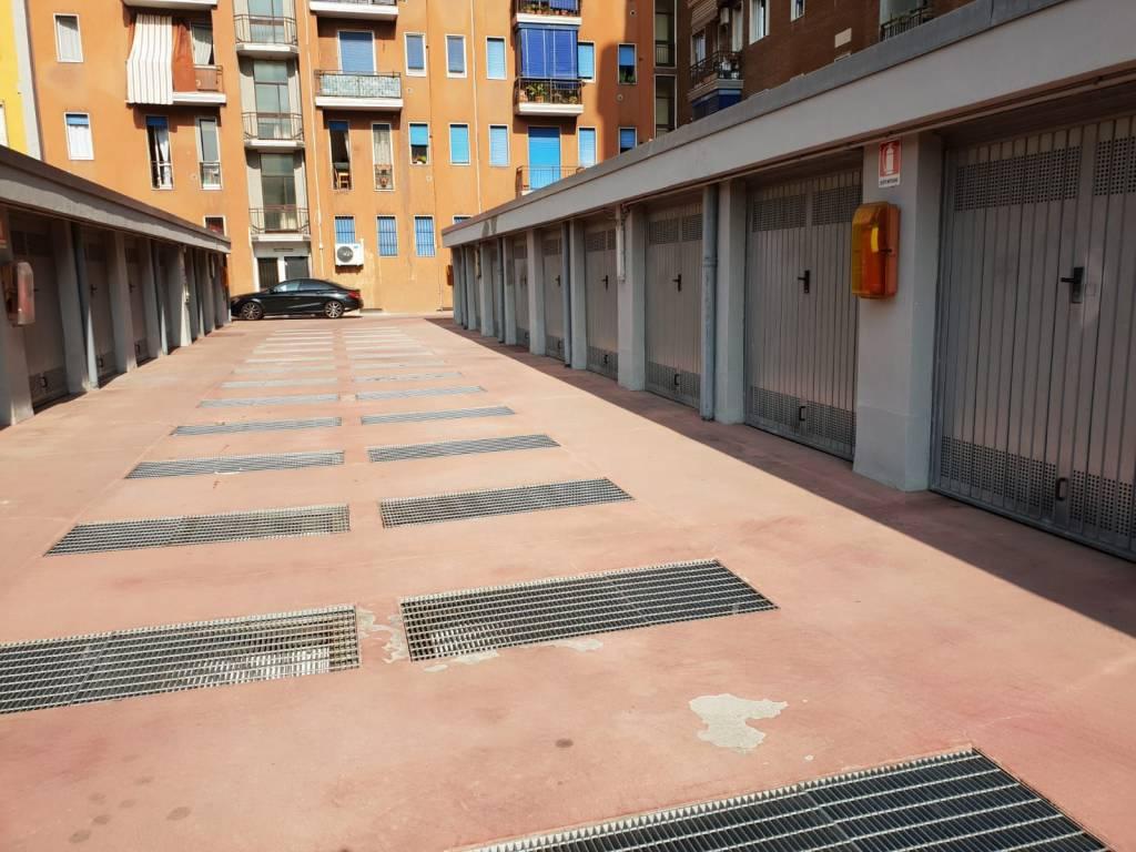Box / Garage in vendita a Milano, 9999 locali, zona Zona: 11 . Barona, Giambellino, Lorenteggio, Famagosta, prezzo € 23.000 | CambioCasa.it